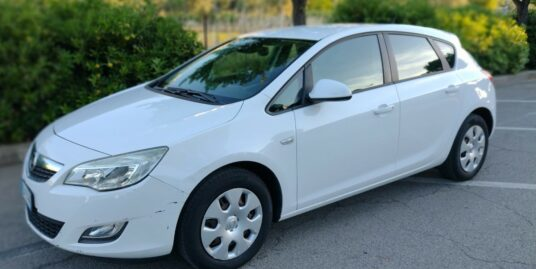 Opel Astra 1.4 5p. 100cv Enjoy